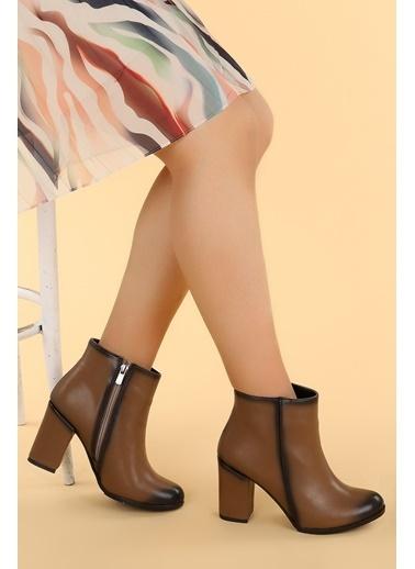Ayakland Ayakland Ymr 1325 Cilt 9 cm Topuklu Kadın Bot Ayakkabı Vizon